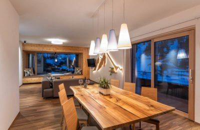 Wohn- und Essbereich im Apparthotel Zirbenhof, Fotograf Obertauern